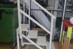 gurulós lépcsőfeljaró, lakatosmunka